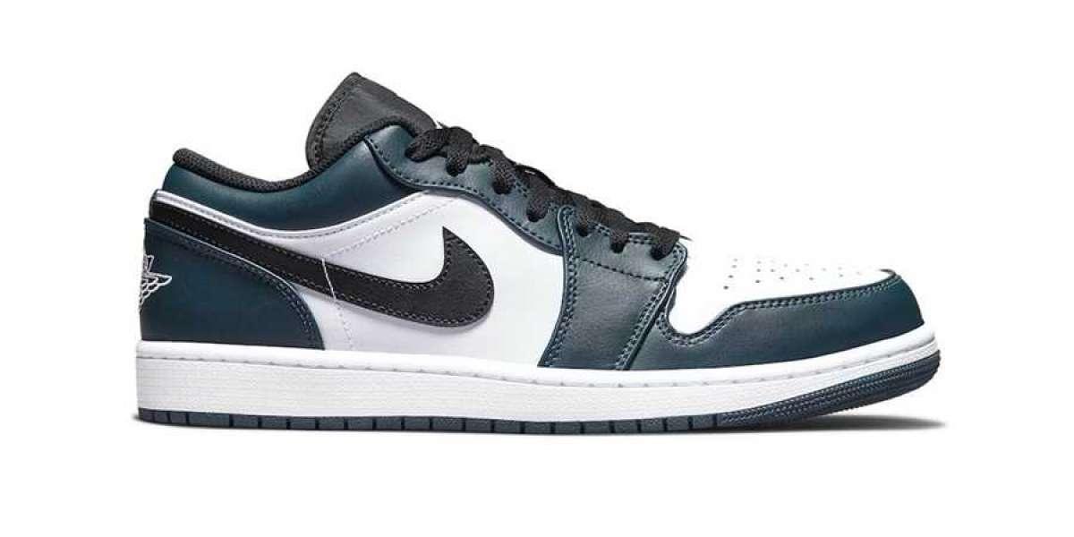 """This pair of Air Jordan 1 Low """"Dark Teal"""" 553558-411 is too classic!"""